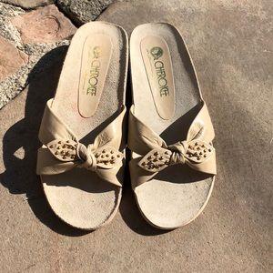 Vintage Cherokee Bowed Slides - Cream - Size 5